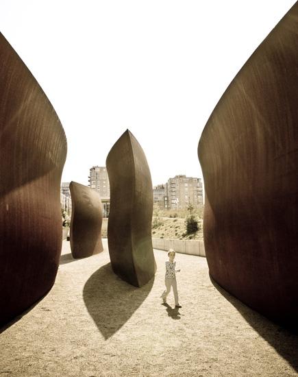 Terrain de jeu monolithique