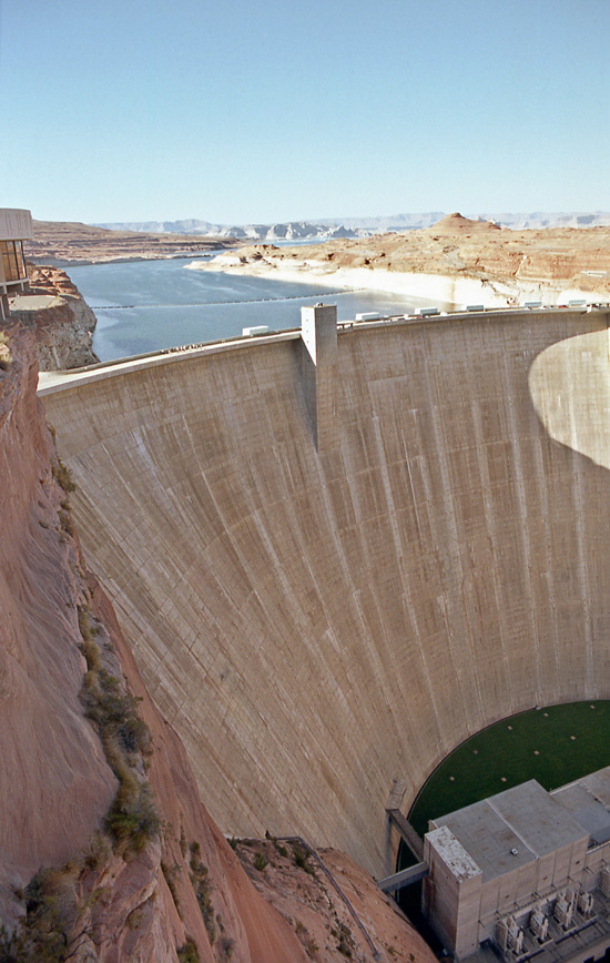 Un barrage contre le Lac Powell